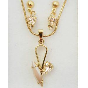 najlacnejšia bižutéria - náhrdelník - lacná bižutéria - bižutéria náušnice - bižutéria náhrdelníky - lacna bizuteria - swarovski sety - swarovsi náhrdelník - najlacnejšia bižutéria - swarovski set - doplnky na stužkovú - šperky sety - šperky z chirurgickej ocele - bižutéria sety - bižutéria náhrdelníky - darček na stužkovú - šperky na stužkovú - set náhrdelník náušnice - Set Daria SWAROVSKI-Zlatá/Kryštálová KP3897
