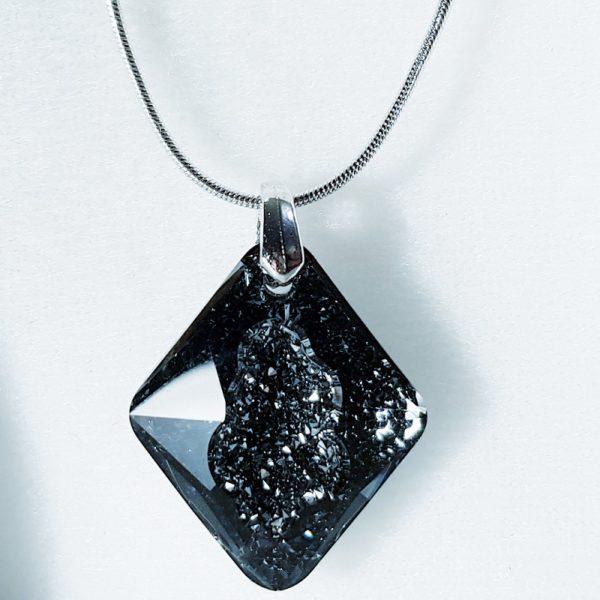 najlacnejšia bižutéria - náhrdelník - lacná bižutéria - bižutéria náušnice - bižutéria náhrdelníky - lacna bizuteria - swarovski sety - swarovsi náhrdelník - najlacnejšia bižutéria - swarovski set - doplnky na stužkovú - šperky sety - šperky z chirurgickej ocele - bižutéria sety - bižutéria náhrdelníky - darček na stužkovú - šperky na stužkovú - set náhrdelník náušnice - Náhrdelník Electra SWAROVSKI-Čierna KP3910