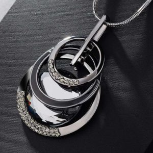 najlacnejšia bižutéria - náhrdelník - lacná bižutéria - bižutéria náušnice - bižutéria náhrdelníky - lacna bizuteria - swarovski sety - swarovsi náhrdelník - najlacnejšia bižutéria - swarovski set - doplnky na stužkovú - šperky sety - šperky z chirurgickej ocele - bižutéria sety - bižutéria náhrdelníky - darček na stužkovú - šperky na stužkovú - set náhrdelník náušnice - Náhrdelník Adelina-Čierna KP3595