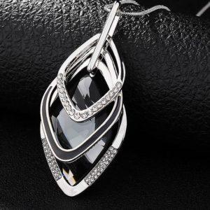 najlacnejšia bižutéria - náhrdelník - lacná bižutéria - bižutéria náušnice - bižutéria náhrdelníky - lacna bizuteria - swarovski sety - swarovsi náhrdelník - najlacnejšia bižutéria - swarovski set - doplnky na stužkovú - šperky sety - šperky z chirurgickej ocele - bižutéria sety - bižutéria náhrdelníky - darček na stužkovú - šperky na stužkovú - set náhrdelník náušnice - Náhrdelník Adonia-Str./Čierna KP3596