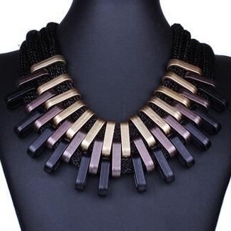 najlacnejšia bižutéria - náhrdelník - lacná bižutéria - bižutéria náušnice - bižutéria náhrdelníky - lacna bizuteria - swarovski sety - swarovsi náhrdelník - najlacnejšia bižutéria - swarovski set - doplnky na stužkovú - šperky sety - šperky z chirurgickej ocele - bižutéria sety - bižutéria náhrdelníky - darček na stužkovú - šperky na stužkovú - set náhrdelník náušnice - Náhrdelník Claw-Čierna/Zlatá KP3491
