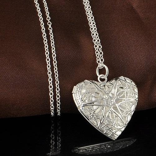 najlacnejšia bižutéria - náhrdelník - lacná bižutéria - bižutéria náušnice - bižutéria náhrdelníky - lacna bizuteria - swarovski sety - swarovsi náhrdelník - najlacnejšia bižutéria - swarovski set - doplnky na stužkovú - šperky sety - šperky z chirurgickej ocele - bižutéria sety - bižutéria náhrdelníky - darček na stužkovú - šperky na stužkovú - set náhrdelník náušnice - Náhrdelník Subtlety-Strieborná KP3393