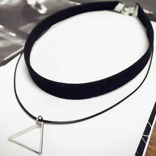 najlacnejšia bižutéria - náhrdelník - lacná bižutéria - bižutéria náušnice - bižutéria náhrdelníky - lacna bizuteria - swarovski sety - swarovsi náhrdelník - najlacnejšia bižutéria - swarovski set - doplnky na stužkovú - šperky sety - šperky z chirurgickej ocele - bižutéria sety - bižutéria náhrdelníky - darček na stužkovú - šperky na stužkovú - set náhrdelník náušnice - Náhrdelník Triangle-Čierna/Strieborná KP2416