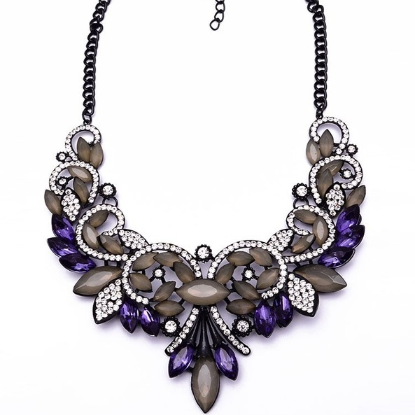 najlacnejšia bižutéria - náhrdelník - lacná bižutéria - bižutéria náušnice - bižutéria náhrdelníky - lacna bizuteria - swarovski sety - swarovsi náhrdelník - najlacnejšia bižutéria - swarovski set - doplnky na stužkovú - šperky sety - šperky z chirurgickej ocele - bižutéria sety - bižutéria náhrdelníky - darček na stužkovú - šperky na stužkovú - set náhrdelník náušnice - Náhrdelník Vintage Spring-Fialová KP2400