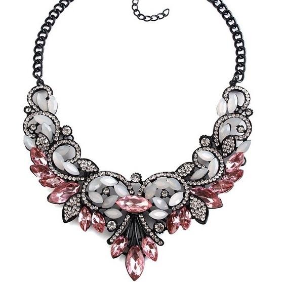 najlacnejšia bižutéria - náhrdelník - lacná bižutéria - bižutéria náušnice - bižutéria náhrdelníky - lacna bizuteria - swarovski sety - swarovsi náhrdelník - najlacnejšia bižutéria - swarovski set - doplnky na stužkovú - šperky sety - šperky z chirurgickej ocele - bižutéria sety - bižutéria náhrdelníky - darček na stužkovú - šperky na stužkovú - set náhrdelník náušnice - Náhrdelník Vintage Spring-Ružová KP2401