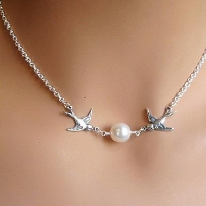 najlacnejšia bižutéria - náhrdelník - lacná bižutéria - bižutéria náušnice - bižutéria náhrdelníky - lacna bizuteria - swarovski sety - swarovsi náhrdelník - najlacnejšia bižutéria - swarovski set - doplnky na stužkovú - šperky sety - šperky z chirurgickej ocele - bižutéria sety - bižutéria náhrdelníky - darček na stužkovú - šperky na stužkovú - set náhrdelník náušnice - Náhrdelník Birds-Strieborná  KP2702