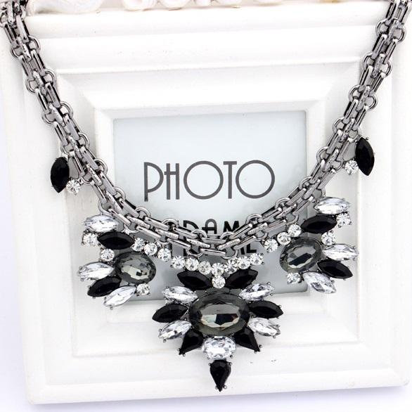 najlacnejšia bižutéria - náhrdelník - lacná bižutéria - bižutéria náušnice - bižutéria náhrdelníky - lacna bizuteria - swarovski sety - swarovsi náhrdelník - najlacnejšia bižutéria - swarovski set - doplnky na stužkovú - šperky sety - šperky z chirurgickej ocele - bižutéria sety - bižutéria náhrdelníky - darček na stužkovú - šperky na stužkovú - set náhrdelník náušnice - Náhrdelník Bamoer Majestic - Čierna KP495