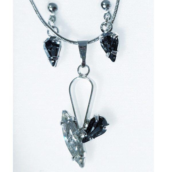 najlacnejšia bižutéria - náhrdelník - lacná bižutéria - bižutéria náušnice - bižutéria náhrdelníky - lacna bizuteria - swarovski sety - swarovsi náhrdelník - najlacnejšia bižutéria - swarovski set - doplnky na stužkovú - šperky sety - šperky z chirurgickej ocele - bižutéria sety - bižutéria náhrdelníky - darček na stužkovú - šperky na stužkovú - set náhrdelník náušnice - Set Daria SWAROVSKI-Str./Čierna KP3901