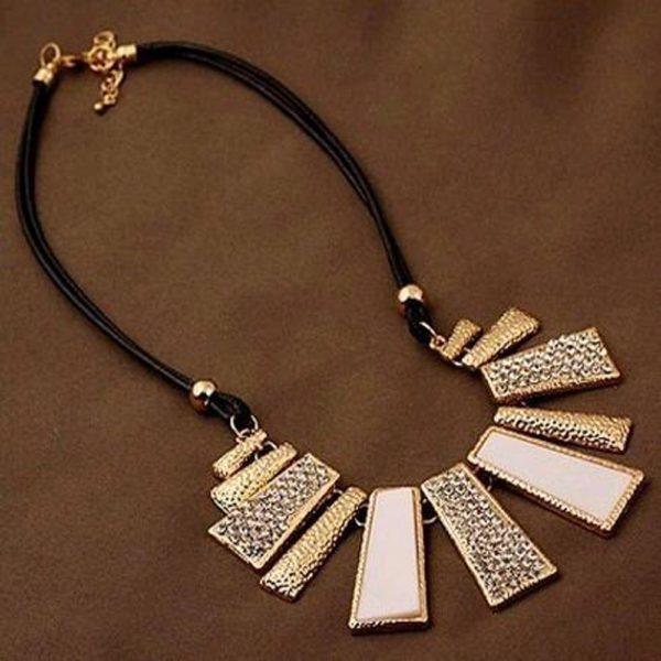 najlacnejšia bižutéria - náhrdelník - lacná bižutéria - bižutéria náušnice - bižutéria náhrdelníky - lacna bizuteria - swarovski sety - swarovsi náhrdelník - najlacnejšia bižutéria - swarovski set - doplnky na stužkovú - šperky sety - šperky z chirurgickej ocele - bižutéria sety - bižutéria náhrdelníky - darček na stužkovú - šperky na stužkovú - set náhrdelník náušnice - Náhrdelník White Gold - Biela KP1905