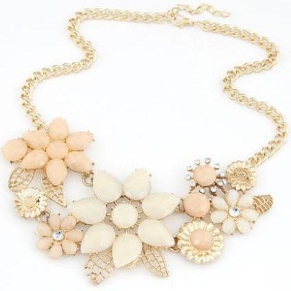 najlacnejšia bižutéria - náhrdelník - lacná bižutéria - bižutéria náušnice - bižutéria náhrdelníky - lacna bizuteria - swarovski sety - swarovsi náhrdelník - najlacnejšia bižutéria - swarovski set - doplnky na stužkovú - šperky sety - šperky z chirurgickej ocele - bižutéria sety - bižutéria náhrdelníky - darček na stužkovú - šperky na stužkovú - set náhrdelník náušnice - Náhrdelník Retro Flower 2 KP594