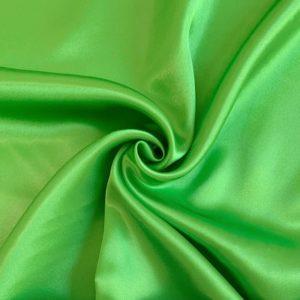 Satén green - luxusné látky na šaty -  luxusné látky metráž -  satén -  polyesterový satén -  saten latka predaj -  cerveny saten -  hodvabny saten -  hruby saten -  satenove saty na stuzkovu -  saty na stuzkovu -  latky na saty na stuzkovu -  latky na plesove saty