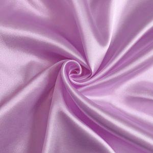 Satén lilac - luxusné látky na šaty -  luxusné látky metráž -  satén -  polyesterový satén -  saten latka predaj -  cerveny saten -  hodvabny saten -  hruby saten -  satenove saty na stuzkovu -  saty na stuzkovu -  latky na saty na stuzkovu -  latky na plesove saty