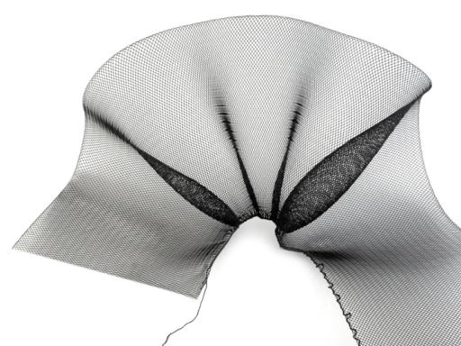 Modistická krinolína na vystuženie šiat a výrobu fascinátorov  šírka 12 cm - doplnky do vlasov - fascinátor - extravagantné doplnky k spoločenským šatám - čelenka do vlasov - doplnky na stužkovú - šaty na stužkovú mama